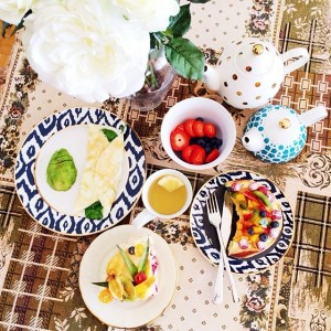 Brunching time at home after my mom's birthday! She's finishing the cakes, I'm having an L.A away from L.A healthy breakie with an egg white omelette and some berries! Happy sunday