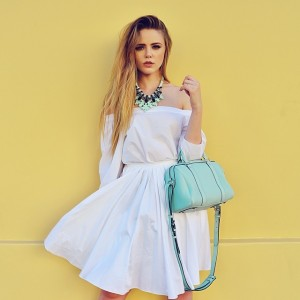 Today on www.kayture.com we are talking about total white looks with a pop of colour! Head to the blog to find out why we are in L.A right now