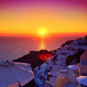 Sunset over Oia, Santorini ❤️☀️