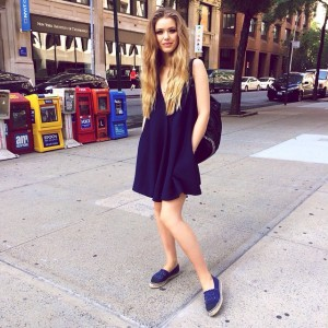 Out in NYC! Heading to our next meeting in this casual chic navy blue look