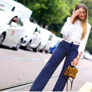 Today's first look during Milan fashion week shot by dear @vincenzo_grillo while on the way to @fendi_official! @josephfashion trousers, @louisvuitton bag and H&M top! #kayfw #mfw #kaytureonthego
