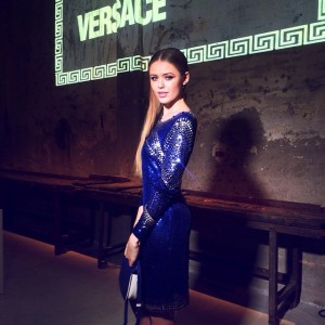 All sparkle out tonight at the @disaronno_official event for the reveal of the #DISARONNOwearsVERSACE bottle