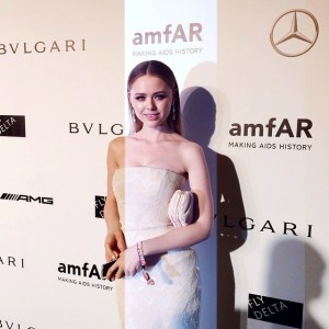 Arriving at the @amfar gala in Milano with @savelligeneve. Wearing a @roberto_cavalli gown and @chopard jewels