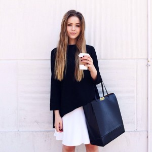 Simplicity is today's moto. Coffee + my new obsession, this perfect @stellamccartney tote from @monnierfreres