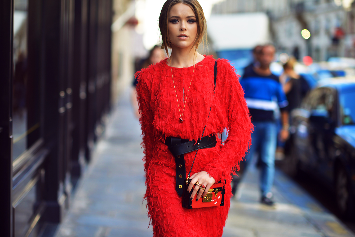 THE GIRL IN THE RED DRESS | Kayture