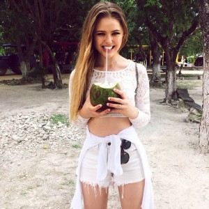 Gimme da coconut!!!! One of the perks of Tulum : sipping of fresh coconut water