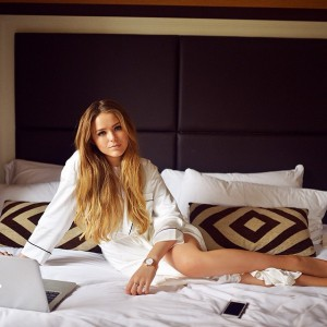 Another shot from today's post on www.kayture.com! Read more about how I like to enjoy my down time and some tips on how to look chic even when you snuggle in bed