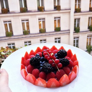 And the winner of the most beautiful berry plate is definitely the @parkhyattparis. What a treat