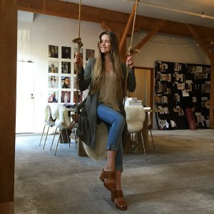 A swing in the middle of the office? Yes PLEASE