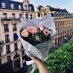 Special morning flower delivery from my dear @ramikadi at the @parkhyattparis! Can't wait to see him today at his haute couture presentation
